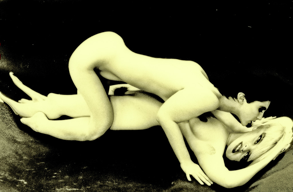 Coiled Cravings / Gespannt - an erotic, fine art work by Gottfried, Berlin